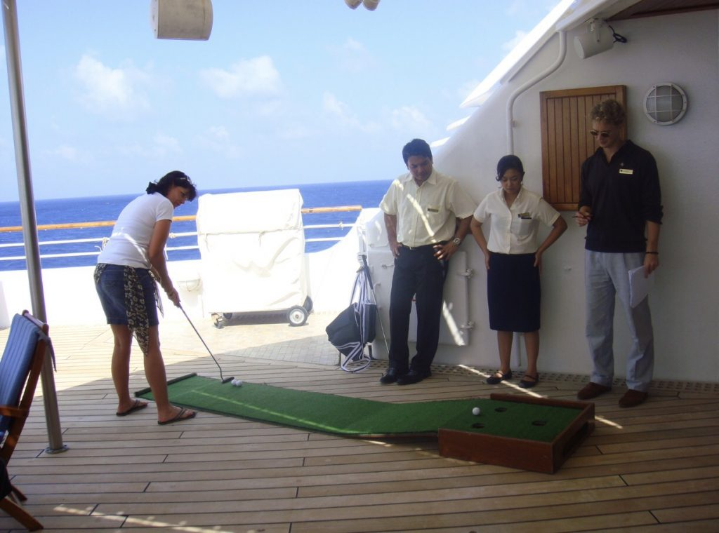 Seabourn Putting Competition