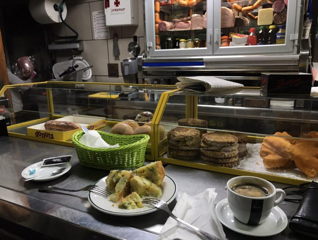 Cafe Americano und Tortilla