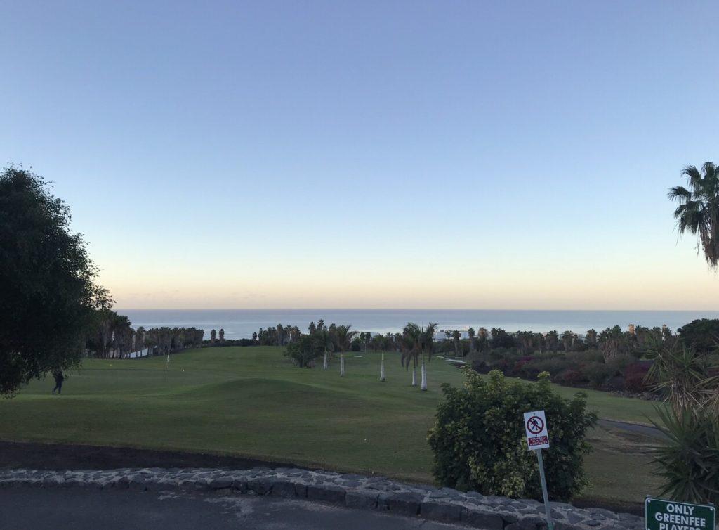 Sonnenaufgangstimmung über dem Meer